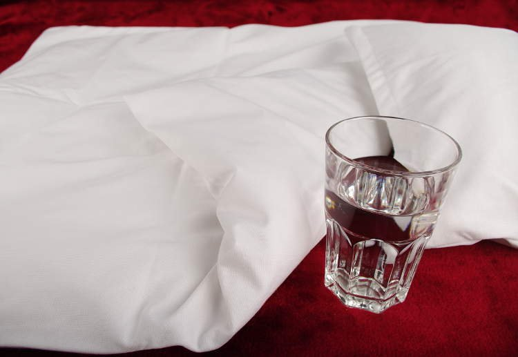 Nepriepustn� oblie�ky do kol�sky biely tencel