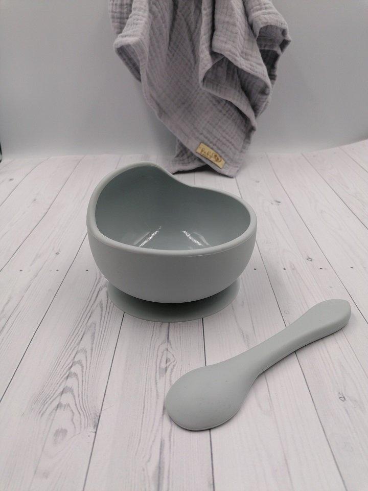 Silik�nov� miska s pr�savkou a ly�i�kou siv�