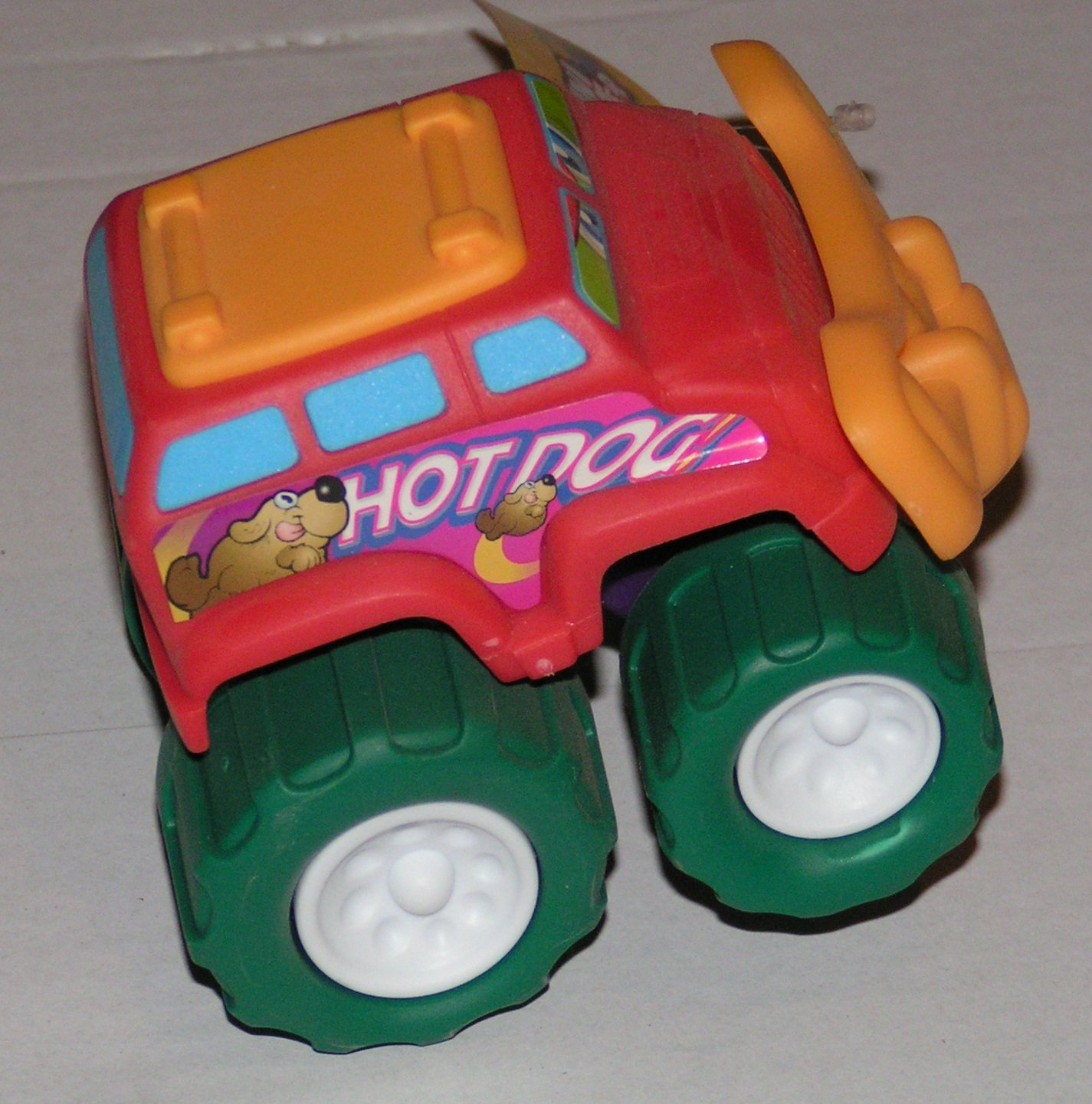 Plastov� aut��ko ter�nne