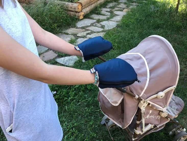 Nepromokav� merino rukavice modr� na ko��rek - zv��i� obr�zok