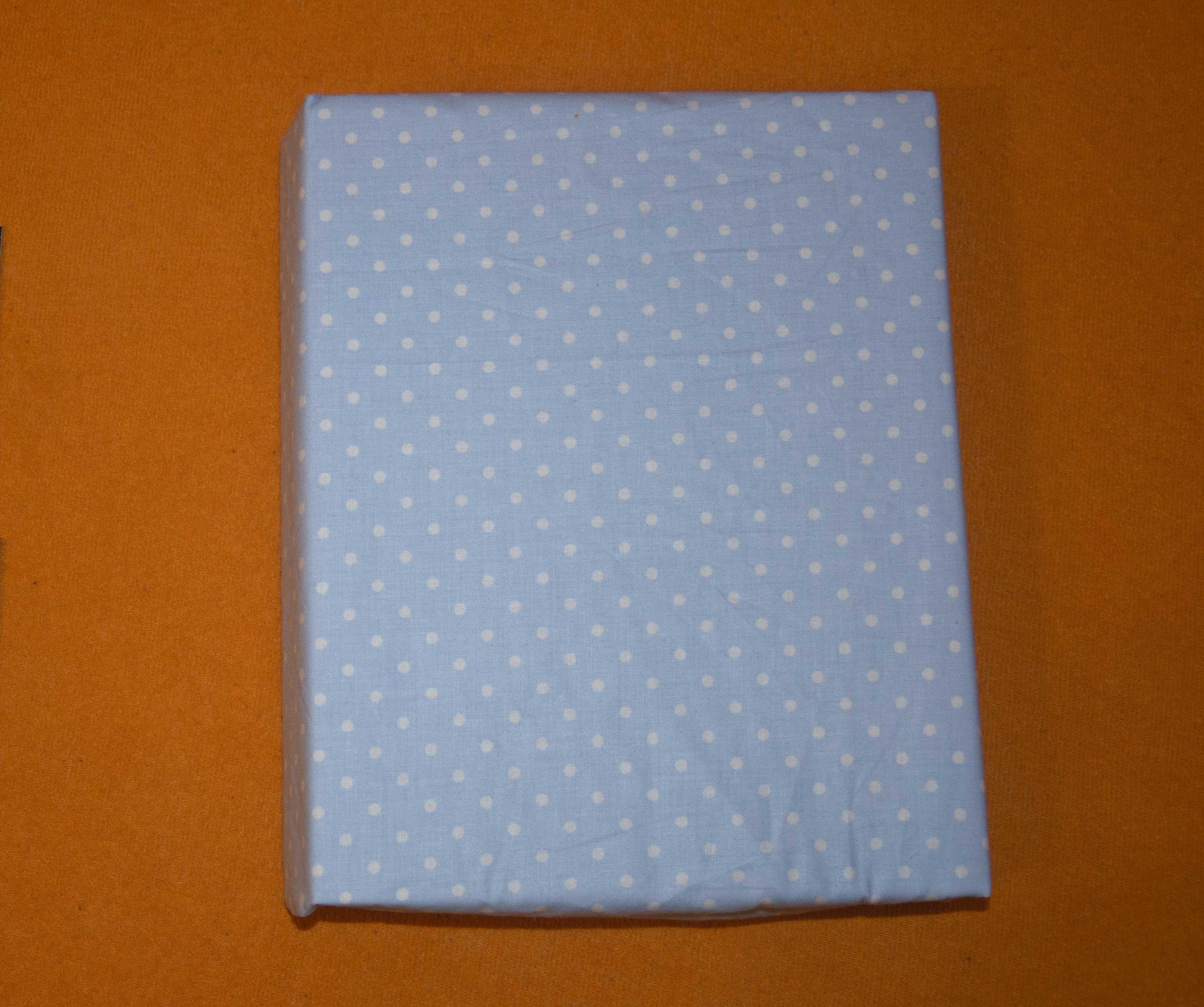 Bavln�n� prost�radlo 120x60 cm modr� s b�l�mi v�t��mi punt�ky - zv��i� obr�zok