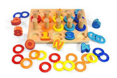 D�ev�n� vkl�da�ka puzzle ��sla - zv��i� obr�zok